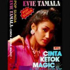 Evie Tamala – Ketok Magic